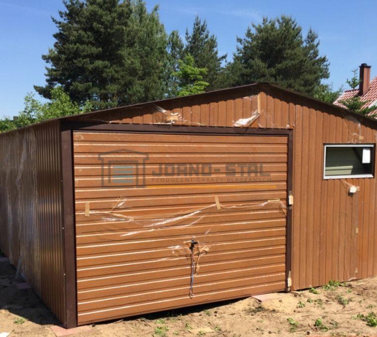 Czy warto budować garaż blaszany?