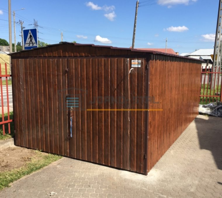 Ile kosztuje budowa garażu blaszanego?